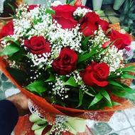 Аромат розы в букете
