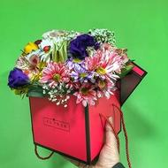 New Sensations - Box with flowers