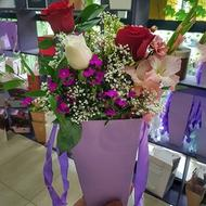 Stunning Beauty - Box with flowers